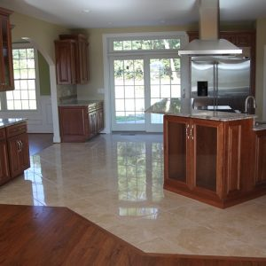How to Choose Between Tiles and Hardwood for Your Kitchen Flooring