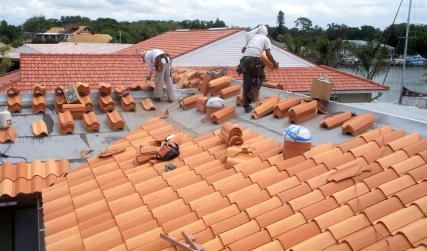 How to Select the Right Roofing Material When Replacing Your Roof